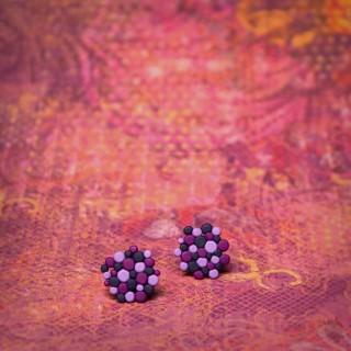 Fialovo-modré molekuly